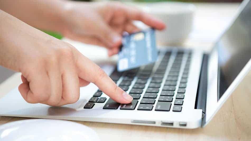 Acheter en ligne : Bien se renseigner avant de faire son achat