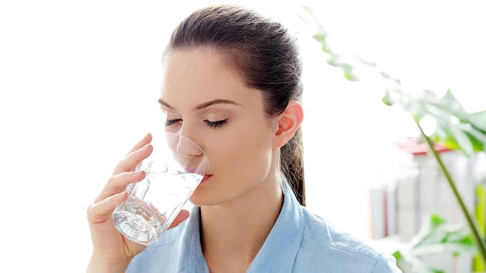 Boire de l'eau pour mincir