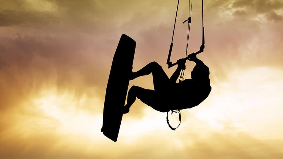Débuter le kitesurf - Matériel et conseils