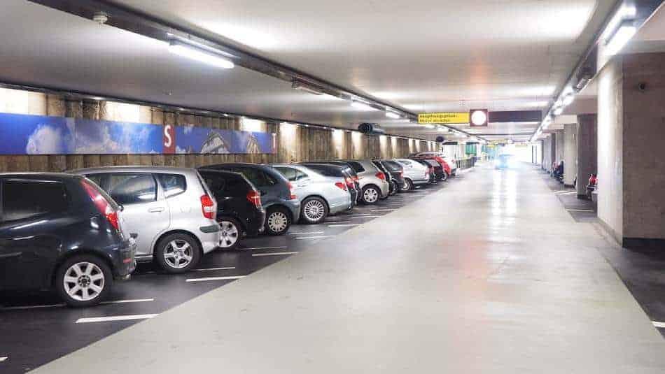 Comment économiser sur le prix du parking aéroport