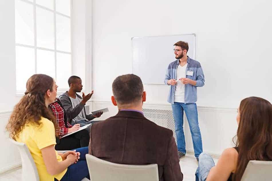 Réunion pour préparer reconversion professionnelle
